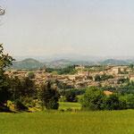 Blick vom Campingplatz auf Urbino