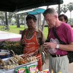 Songkran bedeutet auch Puder im Gesicht und an den Armen