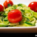 Zucchinipasta mit Knoblauchsud
