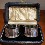 Paar Serviettenringe England Sterling Silber in originaler Box