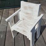 kinderstoeltje van gebruikt hout white wash