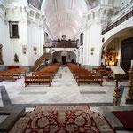 Vista desde el presbiterio hacia el fondo