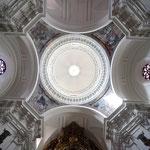 Impresionante cúpula y pechinas decoradas