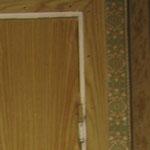 Фото 1.6. Межкомнатная одностворчатая дверь. Крупный план (так было).