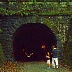 旧道を歩いて旧天城隧道(あまぎすいどう トンネル)です。お化けが出るという話もあるとか? 自動車も通れます。