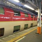 博多から岡山に出てサンライズ出雲(夜行寝台特急)に乗車。ぐっすり寝て、翌朝05:49熱海で下車。