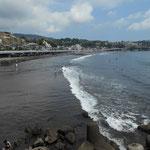 吉浜海岸は遠浅の海水浴場です。