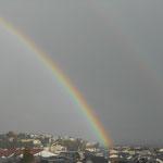 2019.4.1 お天気雨の後、大空に虹がかかりました。