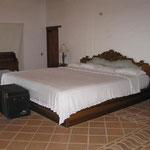 das exclusive Bett, kannste mieten für 150 $ die Nacht