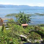 Blick vom Hotel aud den Atitlan See