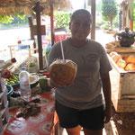 Kokosmilchverkäuferin