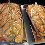 Fischhalter für Flammlachs im Oberhitzegrill BBQ Burner