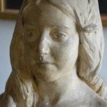 ANTOINETTE Émilie SILHOL (1889-1961) (Steinbüste, Aufnahme aus dem Jahr 2013) / © Sammlung PRISARD