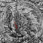 Brahma jouant des cymbales. Instrument colorisé.
