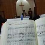 讃美歌21-580番は湖山教会で始めて歌ったさんびかだそうです。湖山教会の方の撮影。