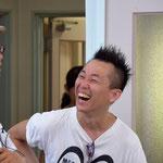 ブログ中盤に登場の再会を果たした二人のたかしさんです。こちらは、8月7日(日)の写真です。弾けた笑顔がすばらしい!髪形も!