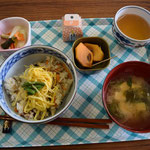 この日の炊き込みご飯はこんなおいしさは他にない、と太鼓判の素晴らしさ。もちろん関田先生も大喜び。利尻昆布の出汁が効いていました。