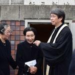 一成さんのお兄さまのお連れ合いトシ子さん。キリスト教葬儀全般、そして、この日の記念会に触れて心から感動して下さっていました。