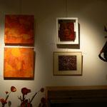 """peinture """" rouge Pompei et gingko """" : Cehel / laque """" nymphée """" Chris Jade / gravure """"les châtaignes """" : Michelle Boucard"""