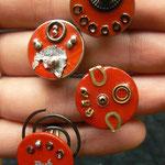Sarah Najand - bague / pile - morceaux de métal divers - peinture