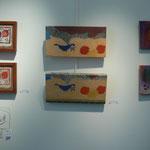 Peinture de Agathe de Filippi (à droite et à gauche ) au milieu :peinture de Maryam Sadet