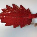 Sophie Gallé-Soas -  Céramique - plat en forme de feuille rouge