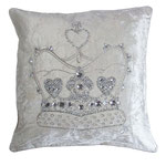 JR184 Velvet Crown Cushion
