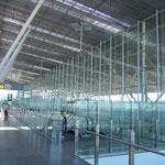 Flughafen in Santiago ist modern und gut erreichbar.
