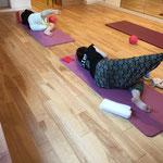妊娠期間に落ちやすい筋肉の一つ臀筋を鍛えようとしているところです!