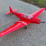 Zlin 12 von Alex mit leichten GFK-Rumpf und Rippenflächen