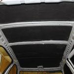Поверх вибродемпфирующего материала Шумофф М3, на крышу укладывается поглощающий материал Шумофф Комфорт 6