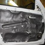 Проклейка поверх вибродемпфирующего материала М3, Шумотеплоизолятор П4