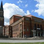 Kieler Oper und Rathausturm