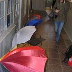 Viel Platz, um Schirme zu trocknen