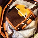 カゴバッグの中身は、布ポケットもついておいます。
