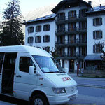 le minibus qui va me faire traverser le tunnel du Mont Blanc / the minibus that will get me through the Mont Blanc tunnel