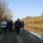 Le long du canal latéral à la Marne