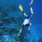 Ich beim Fotografieren unter Wasser (Foto: A. Di Maria)