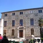 La mairie de Vallon pon d' Arc
