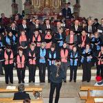 Der Aasener Kirchenchor unter der Leitung von Christiane Barthel