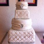 Pastel para boda de fondant redondo y cuadrado