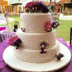 Pastel para Boda en cuernavaca morelos con flores de colores naturales