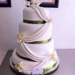 Pastel para boda de fondant en forma de vestido
