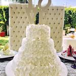 Pastel para Boda en cuernavaca morelos con petalos blanco