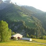 """Aussicht auf Dutjen (Weiler oberhalb Valendas auf der anderen """"Talseite"""""""