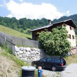 Haus mit Parkplatz für 2 Autos