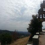 """Das """"Castillo de Aracena"""", geschichtsträchtiges Bauwerk auf einem Hügel"""