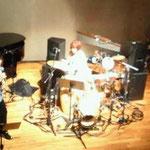 じゃず撫子。左からピアノkeiko、ボーカルウィリアムス浩子、パーカッションyou、バイオリンmaiko