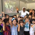 Avec les enfants de l'école de La Salle