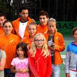 Laurent Lokoli avec les jeunes de son club de Costa Verde